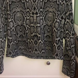 H&M Sweaters - Cropped snakeskin print soft sweater